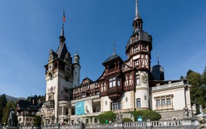 romania-palaces-and-castles